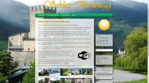 Eine einfache Website mit Bildern des Chalets und der Zimmer im Schloss Biedenegg in Fließ, Bezirk Landeck in Tirol